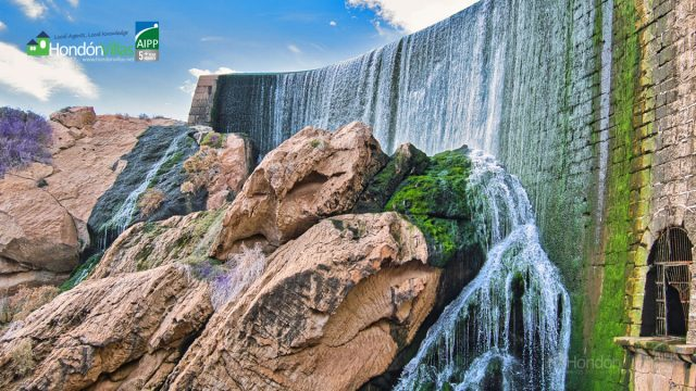 Elche Waterfalls / Casada Pantano