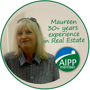 Maureen, owner and manager of HondonVillas
