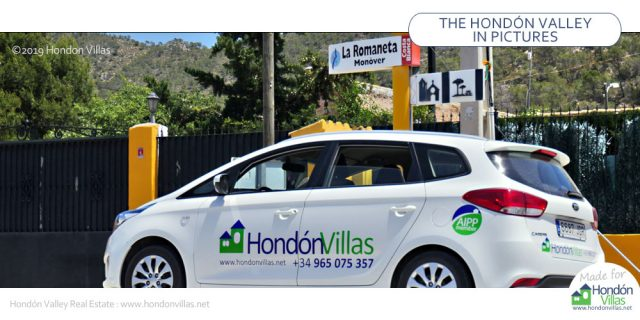 Hondon Villas on the road.