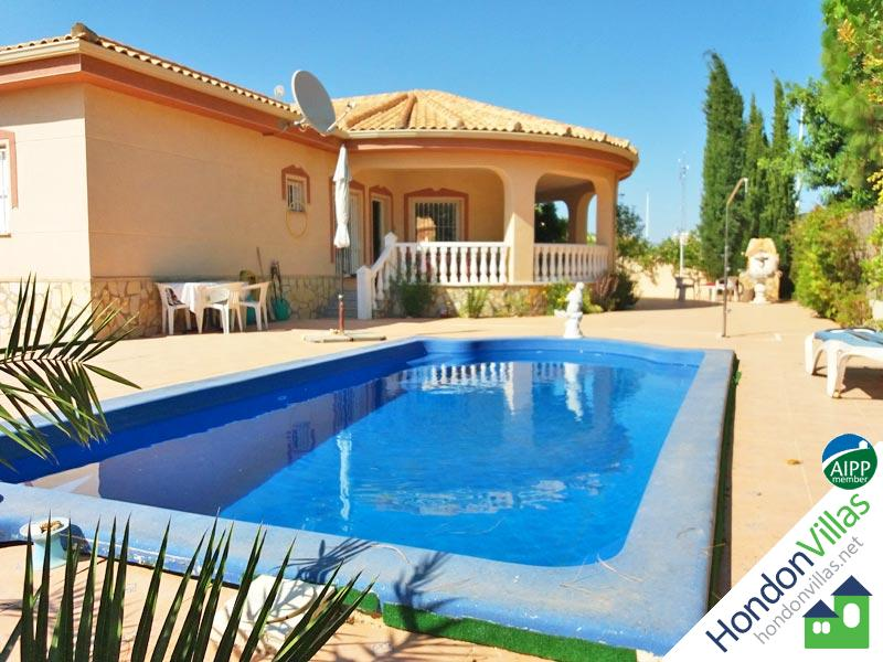Spanish Villa with a Pool